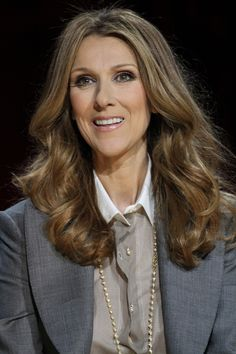 Celine Dions wavy, long hairstyle