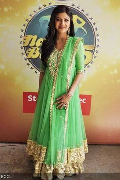 Shilpa Shetty in a beautiful minty & gold outfit as a judge on TV dance reality show 'Nach Baliye - 5' (2012)