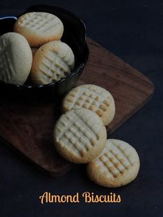 Eggless Almond Biscuits