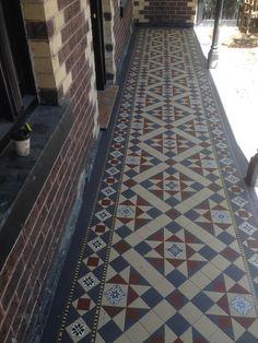 Diagonal Petersham with a Queen Margaret border - Victorian Mosaic Tiling