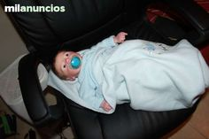 . Espectacular nene  reborn del kit  Kase Awake Se trata de un bebe realizado a trav�s de un Scanner 3D realizado a un bebe real, captando todos los detalles mide  19  y tiene brazos 3/4 y pierna completa al frente tiene ojos de cristal y pelo de la mejo
