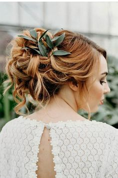 Perfect Hairstyle 24 Stunning Greenery Wedding Hair Ideas  Perfect Hairstyle