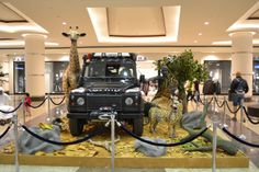 Wonderful jungle theme work by STYRO for Land Rover – AWESOME!