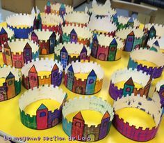 This 12 months, our crown will probably be medieval! Dr Seuss Activities, Craft Activities, Castles Topic, Diy For Kids, Crafts For Kids, Castle Crafts, Christmas To Do List, Fairy Tales For Kids, Château Fort