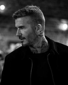 Over recent years, David Beckham has been king of the medium length haircut, but over the last year or so it's been the two other ends of the spectrum. Here's every new David Beckham haircut and how to get them. David Beckham 2018, David Beckham News, David Beckham Tattoos, David Beckham Haircut, David Beckham Short Hair, David Beckham Beard, David Beckham Fashion, Cabelo David Beckham, Estilo David Beckham