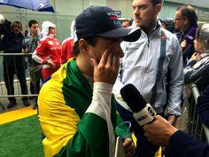 Massa abandona seu último GP do Brasil, vai às lágrimas e é ovacionado #globoesporte