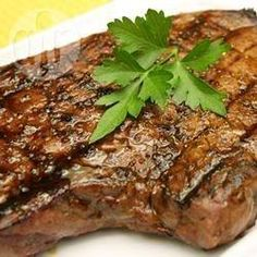 Steak grillé au beurre d'ail @ allrecipes.fr