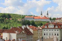 These top 5 restaurants and cafés near the Prague Castle are great for stopping over after your visit to the Castle. Safe choices for a good family meal!