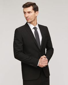 Part of our Bloomsbury collection, this tailored two-button jacket is made from Italian wool and linen, creating a light feel on the body. Immaculately finished inside and out, the slim-fitted piece is fully lined and features horn buttons for added luxury. Other features include narrow peaked lapels, a single back vent and an uncut sleeve button hole for sleeve alterations.