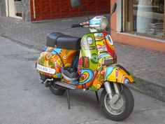Equadorian Style - my sister photographed this Vespa in Quito for me Italian Scooter, Vespa Scooters, World Of Color, Quito, Industrial Design, Motorcycle, Dreams, Vintage, Style