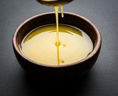 Ještě teplé přepuštěné máslo přelijte do čistých uzavíracích sklenic Fondue, Cheese, Cream, Ethnic Recipes, Creme Caramel