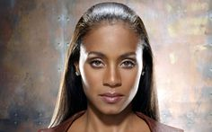 Jada Pinkett Smith - When you talk about black women who are both beautiful AND amazing actresses...YOU CAN'T LEAVE JADA OUT! Her performances are sometimes comical when they aren't meant to be, but her range and emotion are without bounds! <3 her!