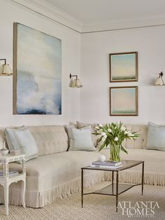 Home Tour: Modern Southern Style Living Room Decor, Living Spaces, Living Rooms, Family Rooms, Home Design Magazines, Atlanta Homes, Home Decor Styles, Interiores Design, Decoration