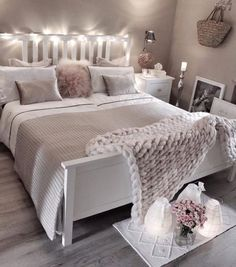 Cozy Home Decorating Ideas for Girls' Bedrooms Today I collected 30 girls' bedroom decor ideas f Bedroom Ideas For Small Rooms Women, Small Room Bedroom, Bedroom Colors, Master Bedroom, Closet Bedroom, Bedroom Colour Schemes Cosy, Bed Room, Bedroom Ideas Grey, Bedroom Decor Grey Pink