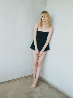 Emma Stone pose pour W magazine.
