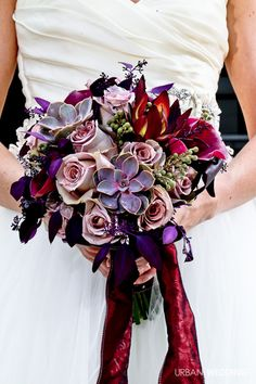 Love these rich colors. Inspiration for Fall and Winter weddings?
