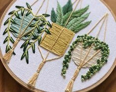 Embroidery art - Hanging plants embroidery , hand embroidery , hoop art , garden art , succulent art Informations Abo - Simple Embroidery, Hand Embroidery Stitches, Silk Ribbon Embroidery, Embroidery Hoop Art, Hand Embroidery Designs, Cross Stitch Embroidery, Cactus Embroidery, Embroidery Ideas, Embroidered Cactus