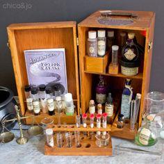 Harry Potter Make-up, Harry Potter Laden, Harry Potter Monopoly, Harry Potter Bedroom, Harry Potter Accessories, Matchbox Crafts, Magic Bottles, How To Make Decorations, Potion Bottle