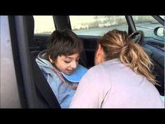 Tous Avec Sam' - exemple d'installation en voiture au quotidien (milieu de la vidéo) http://www.tousavecsam.sitew.fr/#L_association.A