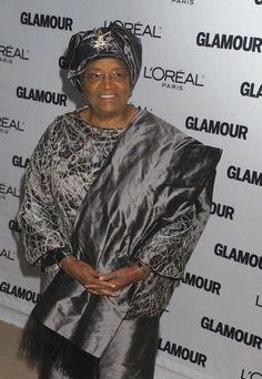 Ellen Johnson Sirleaf  política y economista liberiana. Estudió en los Estados Unidos, incluyendo Harvard, y allí se convirtió en la Ministra Adjunta de Economia. Más tarde volvió a Liberia donde tomó el papel de Ministra de Economía. En 2005, se convierte en la primera mujer electa presidente de un estado africano, tras las elecciones organizadas por las Naciones Unidas.