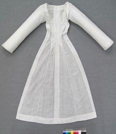 Droulet en voile de coton .Arles 1775-1780 .Museon Arlaten