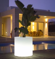 Outdoor lighting for balconies and terraces - modern outdoor lamps modern outdoor lamps designer exterior lighting of nicely lighting fixtures thrilling KQZNTOG Modern Patio Lighting, Solar Lights Garden, Modern Landscape Lighting, Modern Outdoor, Diy Outdoor Lighting, Vase With Lights, Modern Outdoor Lighting, Romantic Backyard, Outdoor Lighting Design