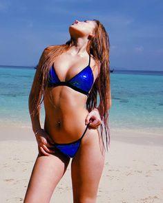 "𝒞𝒶𝓂𝒾 𝒫𝓇𝒶𝒹𝑜꧂ on Instagram: ""No hᥲყ ᥙᥒ dίᥲ qᥙᥱ ᥒo ριᥱᥒsᥱ qᥙᥱ qᥙιᥱro voᥣvᥱr✈ ❤️"" Prado, Cami, Bikinis, Swimwear, Thong Bikini, Wanderlust, Instagram, Fashion, One Piece Swimsuits"