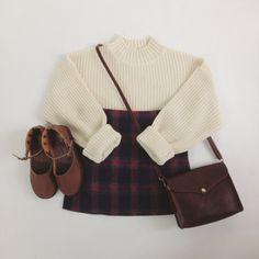 Korean fashion - white sweater, tartan skirt, brown mary jane flats and brown envelope bag