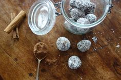 How to make chocolate bliss balls