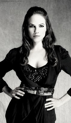 Anna Silk lost girl a real woman with curves and still confident one day ill get there