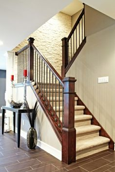 Wood w/ metal railing - a must. Spaces Stair Railing Design, Pictures, Remodel, Decor and Ideas - page 2 Stair Railing Design, Staircase Railings, Banisters, Staircase Ideas, Stairways, Wood Railing, Banister Ideas, Staircase Pictures, Balustrade Design