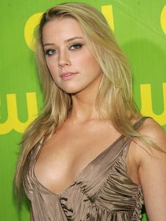 Splendid paragon of beauty Amber Heard ...Snazzy Styles... Heard was born and raised in Austin, Texas.