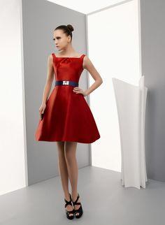 Miquel Suay nos sorprende con una colección exquisita #vestidos #fiesta #moda
