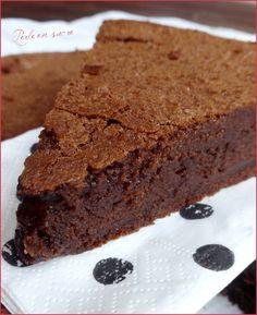 Pierre Hermé Suzy Chocolate Cake – The most beautiful recipes Sweet Recipes, Cake Recipes, Dessert Recipes, Dinner Recipes, Best Chocolate Cake, Chocolate Desserts, Food Cakes, Cupcake Cakes, Fluff Desserts