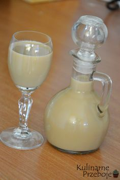 Likier kawowy w 5 minut! Cocktail Mix, Cocktail Drinks, Cocktail Recipes, Alcoholic Drinks, Beverages, Christmas Cocktails, Polish Recipes, Polish Food, Irish Cream