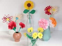FLOWER CRAFTS - Flowers always make me happy. Unfortunately, they only have a shelf life. But fortunately that does not apply to this one! Diy For Kids, Crafts For Kids, Amazing Flowers, Flower Crafts, Flower Making, Easter Crafts, The Hobbit, Origami, Fancy