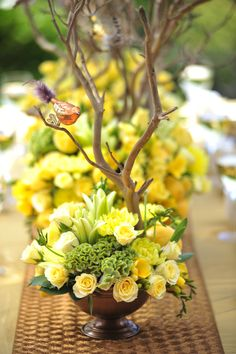 Hottest 7 Spring Wedding Flowers to Rock Your Big Day--Yellow flowers with branches reception wedding flowers, diy wedding centerpieces Wedding Reception Centerpieces, Floral Centerpieces, Decor Wedding, Tall Centerpiece, Wedding Ideas, Centrepieces, Gold Wedding, Diy Wedding, Yellow Flower Arrangements