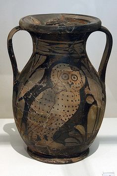 Amphora with owl Ancient Greek Art, Ancient Greece, Egyptian Art, Ancient Aliens, Ancient Egypt, Greek Artifacts, Ancient Artifacts, Greek History, European History