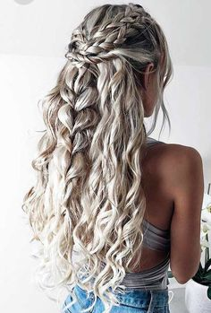 wedding Hairstyles easy Hairstyles Hairstyles for school party Hairstyles Hairstyles for round faces Elegant Wedding Hair, Wedding Hair Down, Wedding Updo, Prom Hair Down, Long Curly Wedding Hair, Blue Wedding, Valentine's Day Hairstyles, Hairstyle Ideas, Party Hairstyles For Long Hair