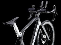 Trek Madone Speed blends tri & road using integrated, removable aero bars - Bikerumor Trek Road Bikes, Trek Madone, Pro Cycling, Race Day, Triathlon, Squad, Sports, Hs Sports, Triathalon