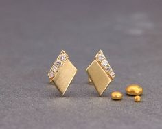 ✿ DESCRIPTION Solid gold handmade earrings in delicate and dainty style. Each solid gold earring has 4 set Conflict Free diamonds. Antique Jewellery Designs, Gold Earrings Designs, Jewelry Design, Jewelry For Her, Gold Jewelry, Fine Jewelry, Gold Bangles, Bridal Jewelry, Gold Rings