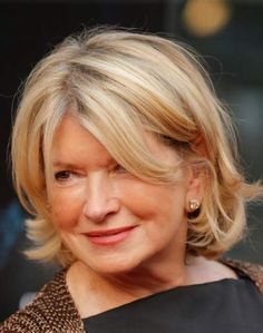 Martha Stewart: Why I Love My Drone Martha wrote a short essay about why she loves her drone. I could write a chapter book about why I love Martha Stewart Living. Short Hairstyles Over 50, Mom Hairstyles, Short Hairstyles For Women, Beautiful Hairstyles, Trendy Haircut, Medium Hair Styles, Short Hair Styles, Stacey Dash, Messy Short Hair
