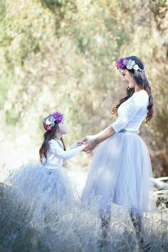 Wedding Photography Mother Daughter Pictures 47 New Ideas Mother Daughter Pictures, Mother Daughter Fashion, Mom Daughter, Mother And Child, Mother Photos, Foto Fantasy, Mommy And Me Photo Shoot, Mother Daughter Photography, Family Photography