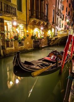 Why every geek should visit Venice, Italy at least once in their lives.  I've been there... and i want to come back!!!