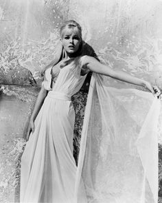 Hammer Movie, Hammer Films, O Film, 60s Icons, Ursula Andress, Scream Queens, Picture Sizes, Looking Stunning, Actress Photos