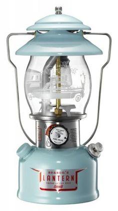 Coleman Season's Lantern American-Vintage-Design