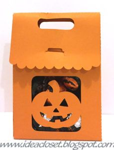 Oct_pumpkintreatbag