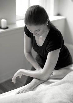 Shari Auth performing deep tissue massage