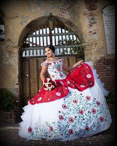 A charro quinceanera dress is the perfect way for you to celebrate your Mexican heritage. A charro quinceanera theme is a popular theme Mexican Quinceanera Dresses, Mexican Dresses, Quinceanera Party, Quinceanera Decorations, 15 Birthday Dresses, Capsule Wardrobe, Luxury Wedding Dress, Wedding Dresses, Vestido Charro