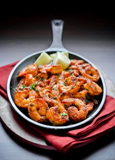 Mangalorean Fried Prawns With Chilli and Vinegar (Sungtan Meeth Mirsang) ~ The Tiffin Box Prawn Recipes, Fish Recipes, Seafood Recipes, Asian Recipes, Healthy Recipes, Ethnic Recipes, Seafood Dishes, Fish And Seafood, Food Now